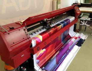 Особенности интерьерной печати баннеров